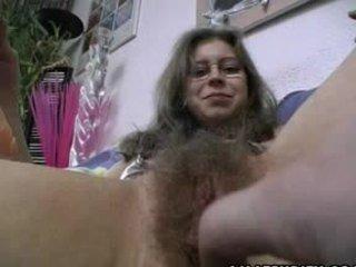 Peluda amateur gets trimmed y afeitada