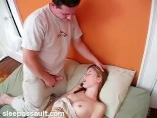 A dormir sister fodido por lustful irmão
