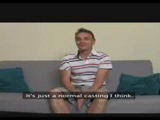 Femaleagent. milf exploits verlegen guy in casting