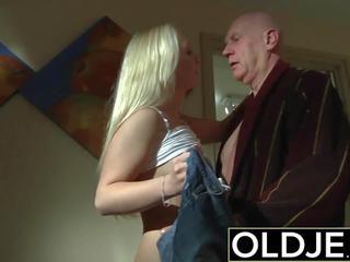 Kåt morgen sex gammel unge porno kjæreste gets knullet