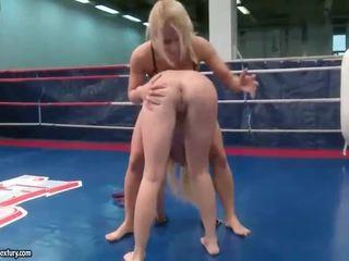 lesbian, lesbian fight, muffdiving