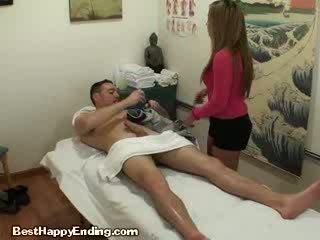 Austrumnieki massages boner par nauda