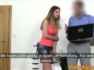Fakeagent brytyjskie laska z duży cycki fucked przez nowy euro agent wideo