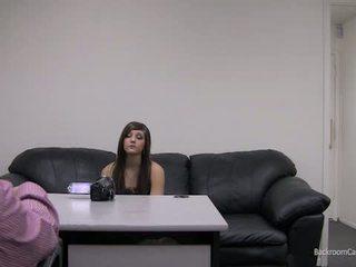 Kaylie në dhoma e prapme aktorët kolltuk.