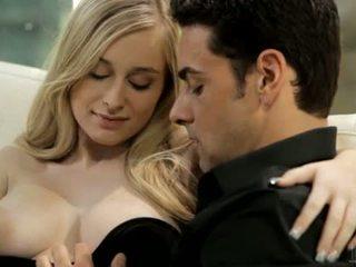 Sweetheart charms dude ar viņai oralstimulation