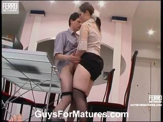 하드 코어 섹스, 성숙, 이전 젊은 섹스