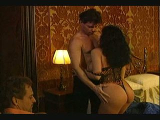 Erika bella секс утрьох