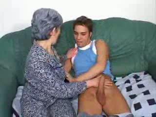 कमबख्त, दोस्त, दादी