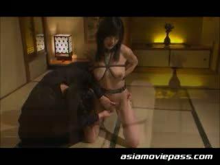 Japonsko suženjstvo suženj punca seks. ami sakurai, emi haruk