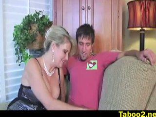 Wanita dengan pria lebih muda milking oleh bridget