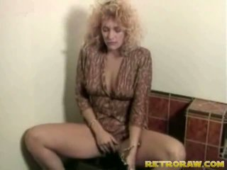 Lesbos в the washroom