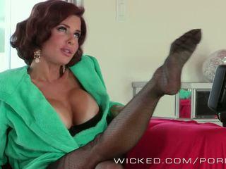 Veronica avluv likes james deens sales pitch - porno video- 441