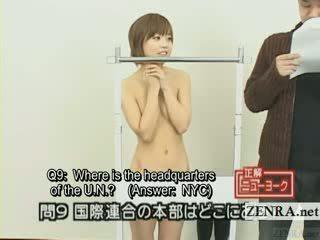 Subtitled ýapon quiz show with ýalaňaç gezýän japan student