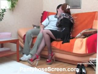 Penelope ו - adam screened תוך pantyhosing