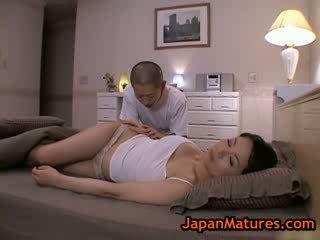 Matang bigtit miki sato melancap pada katil 2 oleh japanmatures