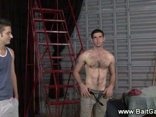 Hétéro guy projection son chaud corps