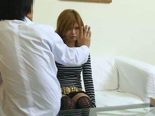 Gehypnotiseerd japans meisje geneukt
