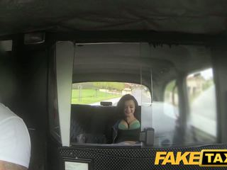 Fake taxi prague beauty squirting on kamera