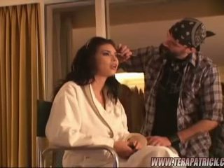 Brunete beauty tera patrick getting gatavs aizkulises