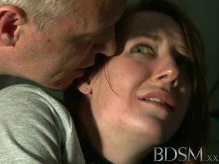 Bdsm: unge tenåring tortured av mester hvit