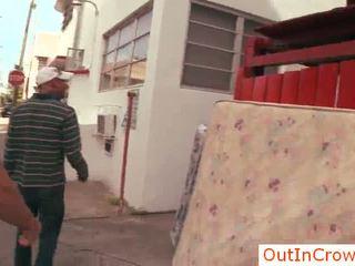 2 dudes tìm kiếm vì nơi đến bump