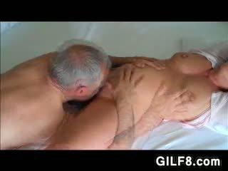 Dědeček licking grandmas zralý kočička