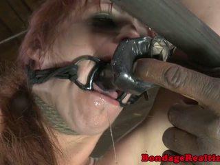 Bdsm sub bella rossi pārmācītas ar clamps