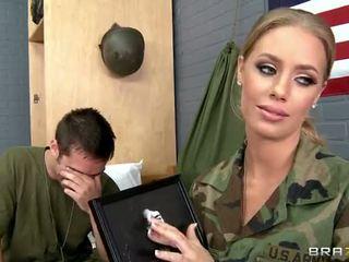 सेना बेब nicole aniston गड़बड़ में camp वीडियो
