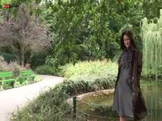 Eroberlin presenteert maria de nudeart ster van russia
