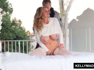 Kelly madison sundown stroking উপর ঐ patio <span class=duration>- 11 min</span>