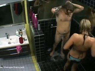 Suomalainen tyttö sisään bikinit soaps ylös alaston boyfriend