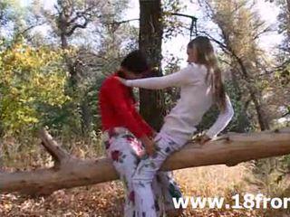 Two innocent 18yo csajok -ban a erdő