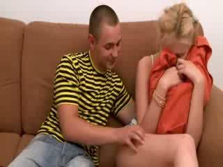 Kolmikko kanssa two blondi teenies
