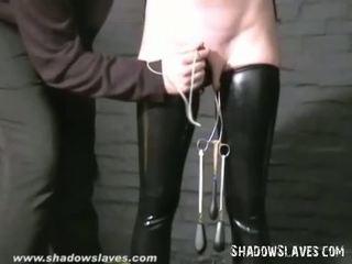 Slavegirl cherry torn hooded en poesje tortured