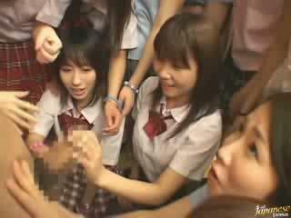 Hapon ina teaching kapit-bahay girls how upang magkantot video