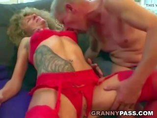 Καυλωμένος/η γιαγιά fucks αυτήν guests, ελεύθερα πραγματικός γιαγιά πορνό πορνό βίντεο