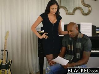 Blacked knal ster ariana marie eerste interraciaal
