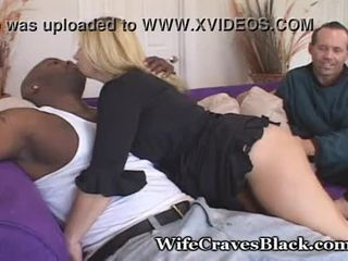 Thick krūtainas sieva craves melnas