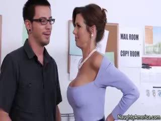 bruneta čerstvý, hq veľké prsia, čerstvý výstrek hq