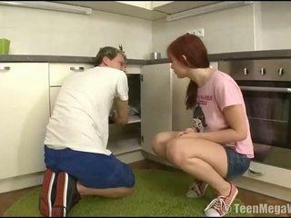 Taming một âm hộ tại các nhà bếp