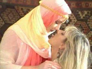 Arabic girl temptatione fucke by Blond babe