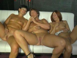 사까시, 그룹 섹스, 레즈비언