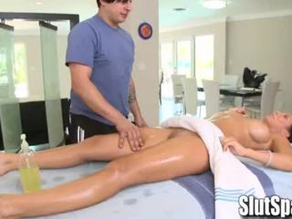 Rachel starr seduced during massaž - slutspa.com