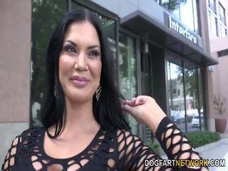 Jasmine jae wants maging gang banged by itim men
