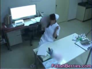 Tentakel bukkake für ein krankenschwester!