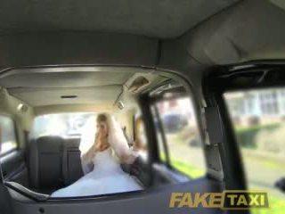 Fake taxi runaway mireasa needs mare pula