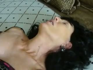 Gutaran jelep sue zartyldap sikmek bet, mugt ýaşy ýeten porno video 89