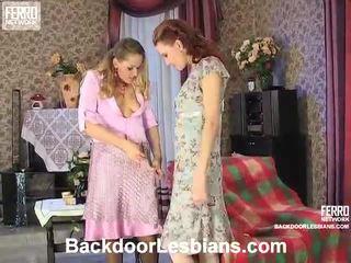 Sajaukt no veronica, christina, polly līdz backdoor lesbietes