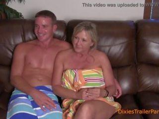 A reāls māte un dēls interviewed