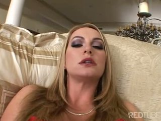 Aline opens viņai clam līdz izstāde jums viņai pearl